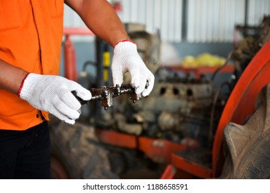Camshaft output for tractor repair or control shaft inspection, intake and exhaust functions, vehicle equipment, garage repair work.