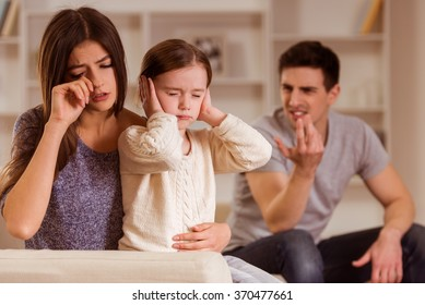 �¡hild can not listen quarrel of parents, it is difficult for the child's mind.They are at home
