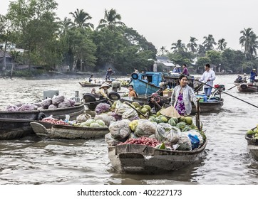 CAN THO, VIETNAM - JANUARY 30, 2016: The famous flouting market of the Mekong delta at Can Tho, Vietnam. A local maret and a tourist attraction.
