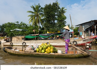 CAN THO, VIETNAM - OCTOBER 22, 2016: Floating market in Can Tho.