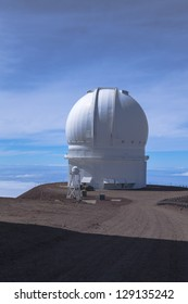 Canada-France-Hawaii Observatory ; extinct volcanic craters in background