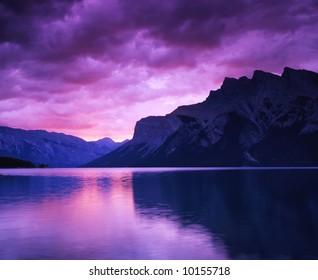 Canadian rocky Beautiful lake-74