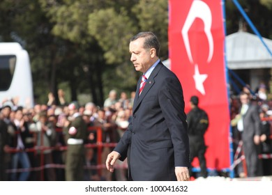 CANAKKALE, TURKEY-JANUARY 15: Turkish Prime Minister Recep Tayyip Erdogan visits the monument of Dardanel Wars January 15,2010 in Canakkale, Turkey.
