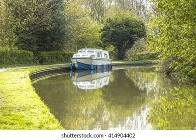 Canal boat on Coventry Canal