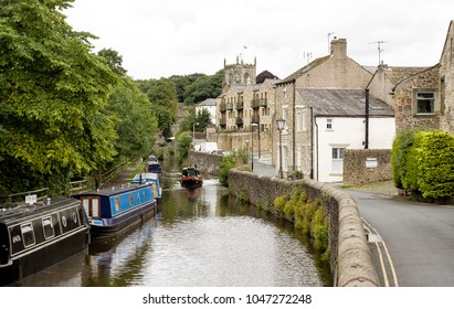 The canal as it runs through the centre of Skipton