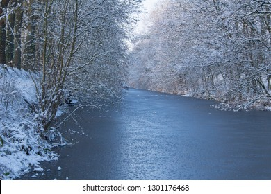 canal in winter atmosphere