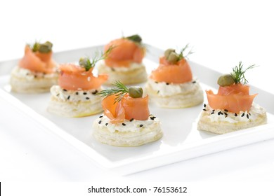 canape, snacks, salmon, fish, butter, toast, a restaurant, dill, food, seafood