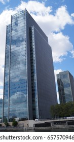 Canary Wharf London 1 one park drive building work and infrastructure with transport links April 2017 London