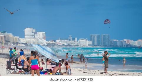 Christmas Vacation In Mexico.Imagenes Fotos De Stock Y Vectores Sobre Cancun Navidad