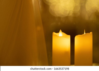 Candles candlelight background bokeh advent christmas golden Golden, candle and the background is golden bokeh Ground concept background image