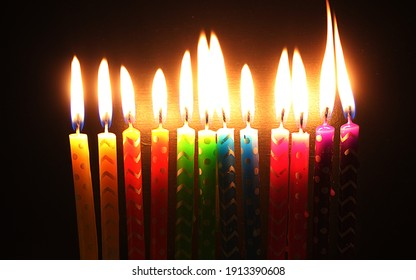 Candles in a reign bow colors