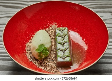 Candy bar dessert with citron ice