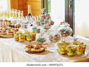 candy bar, sweet buffet table, champagne snacks