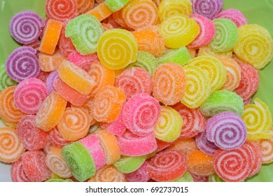 Candy sugar jelly is a snack that kids love to consume a lot of tooth decay, diabetes and obesity. Parents should advise on consumption. Because it is more harmful to the body.