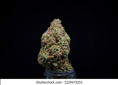 Cannabis Nug - Strain: Strawberry Cough