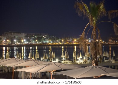 Cannes (Alpes-Maritimes, Provence-Alpes-Cote d'Azur, France): the coast at evening