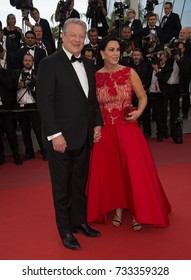 """CANNES, FR - May 22, 2017: Former US Vice President Al Gore & Elizabeth Keadle at the premiere for """"The Killing of a Sacred Deer"""" at the 70th Festival de Cannes"""