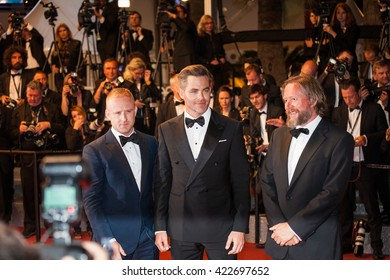 Cannes, France - 16 MAY 2016 - Actor Ben Foster, director David MacKenzie and actor Chris Pine attend the 'Hands Of Stone' premiere during the 69th annual Cannes Film Festival