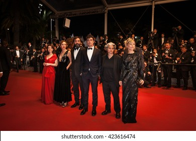 Cannes, France - 19 MAY 2016 - Valeria Golino, Stefano Mordini, Riccardo Scamarcio, Viola Prestieri and Marina Fois attend the 'It's Only The End Of The World (Juste La Fin Du Monde)' Premiere