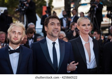 Cannes, France - 20 MAY 2016 - Hopper Jack Penn, Charlize Theron and Javier Bardem attend the 'The Last Face' premiere during the 69th annual Cannes Film Festival