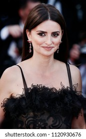 CANNES, FRANCE - MAY 08: Penelope Cruz attends the screening of 'Everybody Knows' and the opening gala during the 71st Cannes Film Festival on May 8, 2018 in Cannes, France.