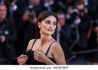 CANNES, FRANCE - MAY 09, 2018: actress Penelope Cruz attends the screening of 'Everybody Knows (Todos Lo Saben)' and the opening gala during the 71st annual Cannes Film Festival