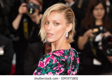 CANNES, FRANCE - MAY 13: Anja Rubik attends the screening of 'Sink Or Swim (Le Grand Bain)' during the 71st annual Cannes Film Festival at Palais des Festivals on May 13, 2018 in Cannes, France.