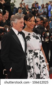 """CANNES, FRANCE - MAY 14, 2011: Robert De Niro & wife at the gala screening for """"Pirates of the Caribbean: On Stranger Tides"""" at the 64th Festival de Cannes. May 14, 2011  Cannes, France"""