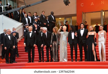 "CANNES, FRANCE. May 14, 2019: Bill Murray, Guest, Jim Jarmusch, Sara Driver, Tilda Swinton, Luka Sabbat, Adam Driver, Selena Gomez, Chloe Sevigny & Guests at the gala premiere for ""The Dead Don't Die"""