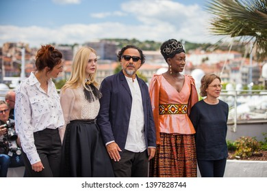 CANNES, FRANCE - MAY 14, 2019: Alice Rohrwacher, Elle Fanning, Alejandro Gonzalez Inarritu, Maimouna N'Diaye and Kelly Reichardt attend the Jury photocall during the 72nd annual Cannes Film Festival