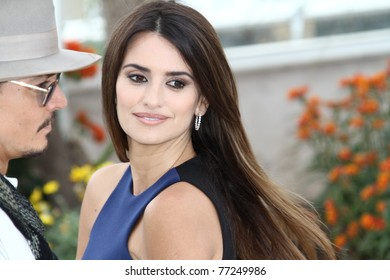 CANNES, FRANCE - MAY 14: Penelope Cruz attends the 'Pirates of the Caribbean: On Stranger Tides' Photocall during the 64thh Cannes  Festival at Palais des Festivals on May 14, 2011 in Cannes, France