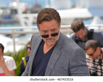 """CANNES, FRANCE - MAY 15, 2016: Actor Russell Crowe at the photocall for """"The Nice Guys"""" at the 69th Festival de Cannes."""