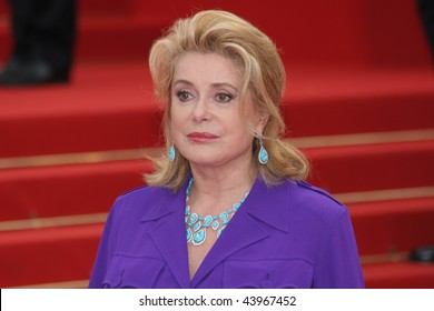 CANNES, FRANCE - MAY 16: Actress Catherine Deneuve arrives at the Un Conte De Noel Premiere at the Palais des Festivals during the 61st Cannes Film Festival on May 16 , 2008 in Cannes, France.