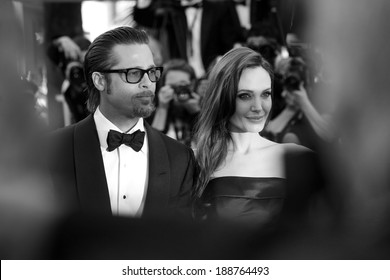 CANNES, FRANCE - MAY 16 : Angelina Jolie and Brad Pitt attend 'The Tree Of Life' Premiere during the 64th Cannes Film Festival on May 16, 2011 in Cannes