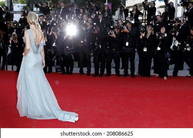 CANNES, FRANCE - MAY 16: Naomi Watts attends the 'Dragon 2' Premiere during the 67th Cannes Film Festival on May 16, 2014 in Cannes, France