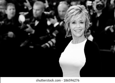CANNES, FRANCE - MAY 17: Actress Jane Fonda attends the premiere of  'Rust and Bone'  during the 65th Cannes Film Festival on May 17, 2012 in Cannes, France.
