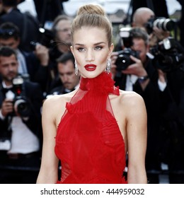 CANNES, FRANCE - MAY 18: Model Rosie Huntington-Whiteley attends 'The Unknown Girl' Premiere during the 69th Cannes Film Festival on May 18, 2016 in Cannes.