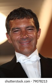 CANNES, FRANCE - MAY 19:  Antonio Banderas departs the 'The Skin I Live In' premiere at the Palais  during the 64th Cannes Festival on May 19, 2011 in Cannes, France