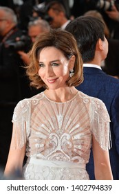 """CANNES, FRANCE. May 20, 2019: Elsa Zylberstein  at the gala premiere for """"La Belle Epoque"""" at the Festival de Cannes.Picture: Paul Smith / Featureflash"""