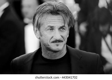 CANNES, FRANCE - MAY 20: Sean Penn attends 'The Last Face' premiere during the 69th Cannes Film Festival on May 20, 2016 in Cannes, France.