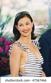 CANNES, FRANCE - MAY 22: Actress Ashley Judd poses at a photocall for the film 'Delovely' at the Palais des Festivals during the 57th  Cannes Film Festival May 22, 2004 in Cannes, France