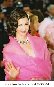 CANNES, FRANCE - MAY 22: Actress Ashley Judd arrives to the closing night ceremony and the screening of 'De-Lovely' during the 57th Cannes Film Festival on May 22, 2004 in Cannes, France