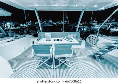 Imágenes, fotos de stock y vectores sobre Jacht Luxury