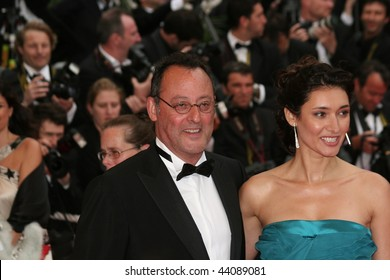 CANNES - MAY 25:Actor Jean Reno and wife actress Zofia Borucka arrives at the Palme d'Or Closing Ceremony at the Palais des Festivals during the 61st  Cannes Film Festival on May 25, 2008 in Cannes