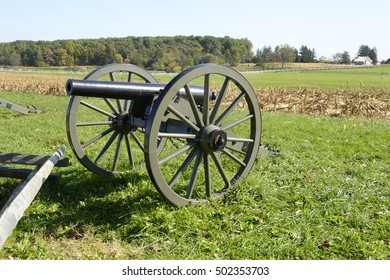 cannon by a battlefield in Gettysburg Pennsylvania