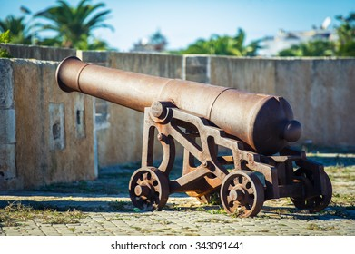 Cannon closer