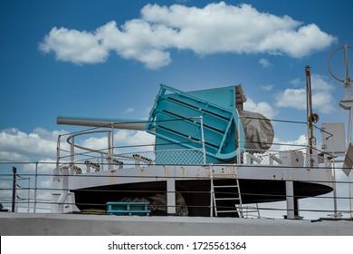 Cannon auf einem alten kanadischen Kriegsschiff