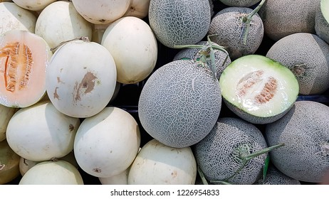 Cantaloupe melons in market, Cantaloupe melons background, cantaloupe melon green and white