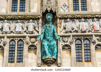 Canterbury, UK: The statue of Jesus on the Christ Church Gate to Canterbury Cathedral
