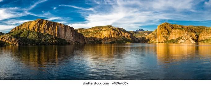 Canyon Lake near Lost Dutchman SP, AZ, USA